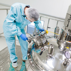 GMP-pharmaceutical-operator-in-facility